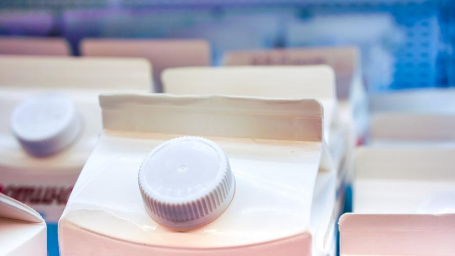 Praktikus üzletberendezés: konténerek tejhez
